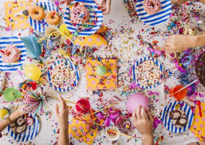 birthday-party-table_23-2147716852